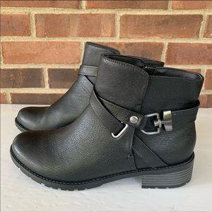 Like new Croft & Barrow black ankle booties